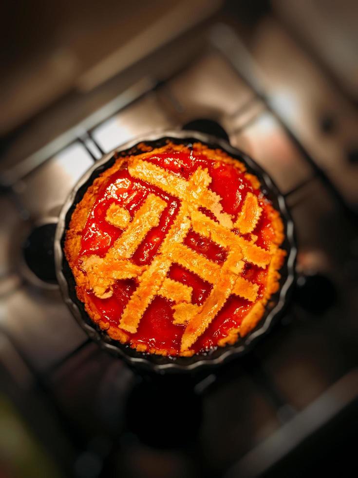 sobremesa de fruta vermelha assada foto
