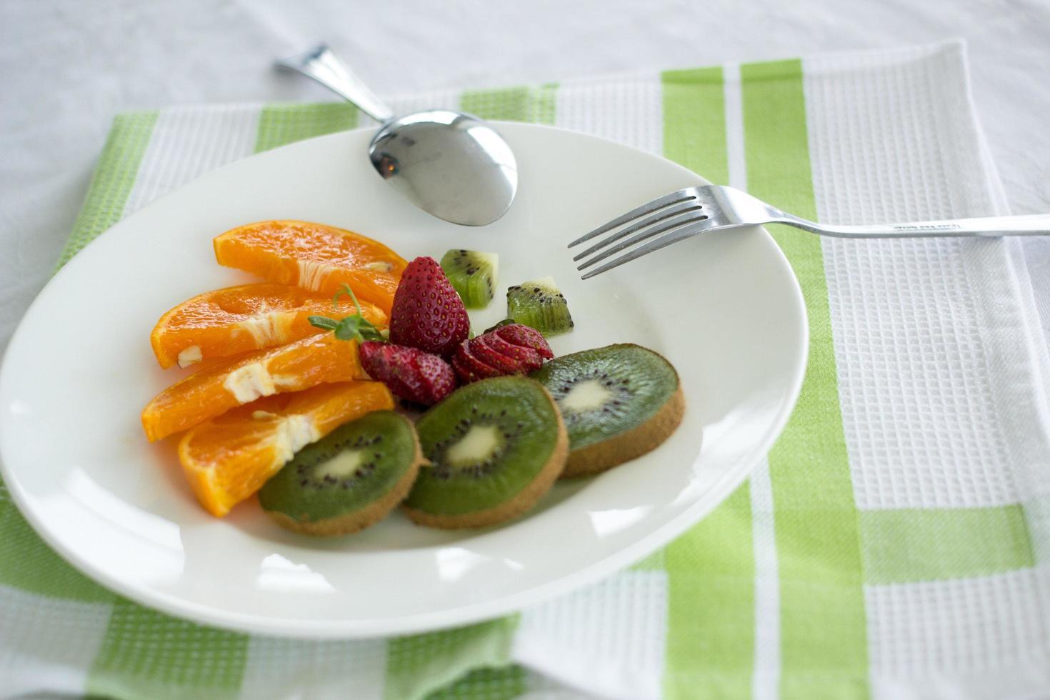 prato de frutas foto