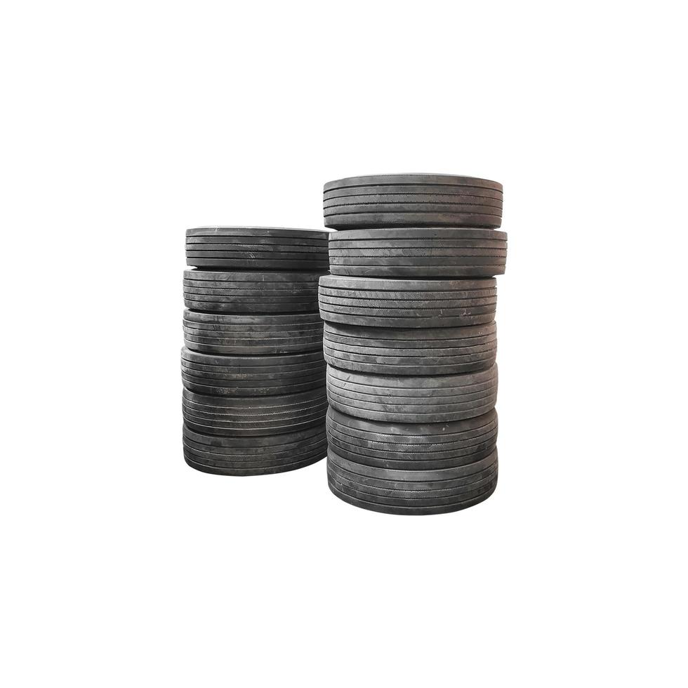 pilha de pneus foto