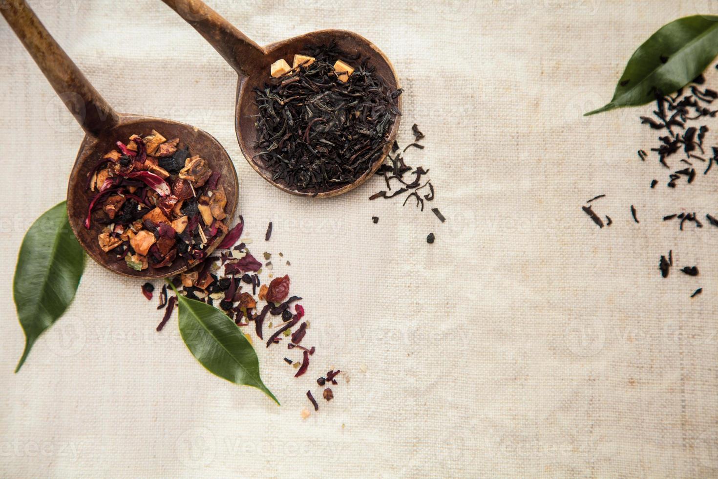 chá de folhas soltas secas foto