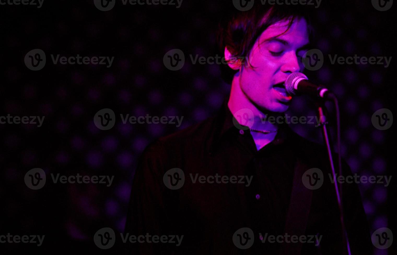 cantora de rock emotivo foto