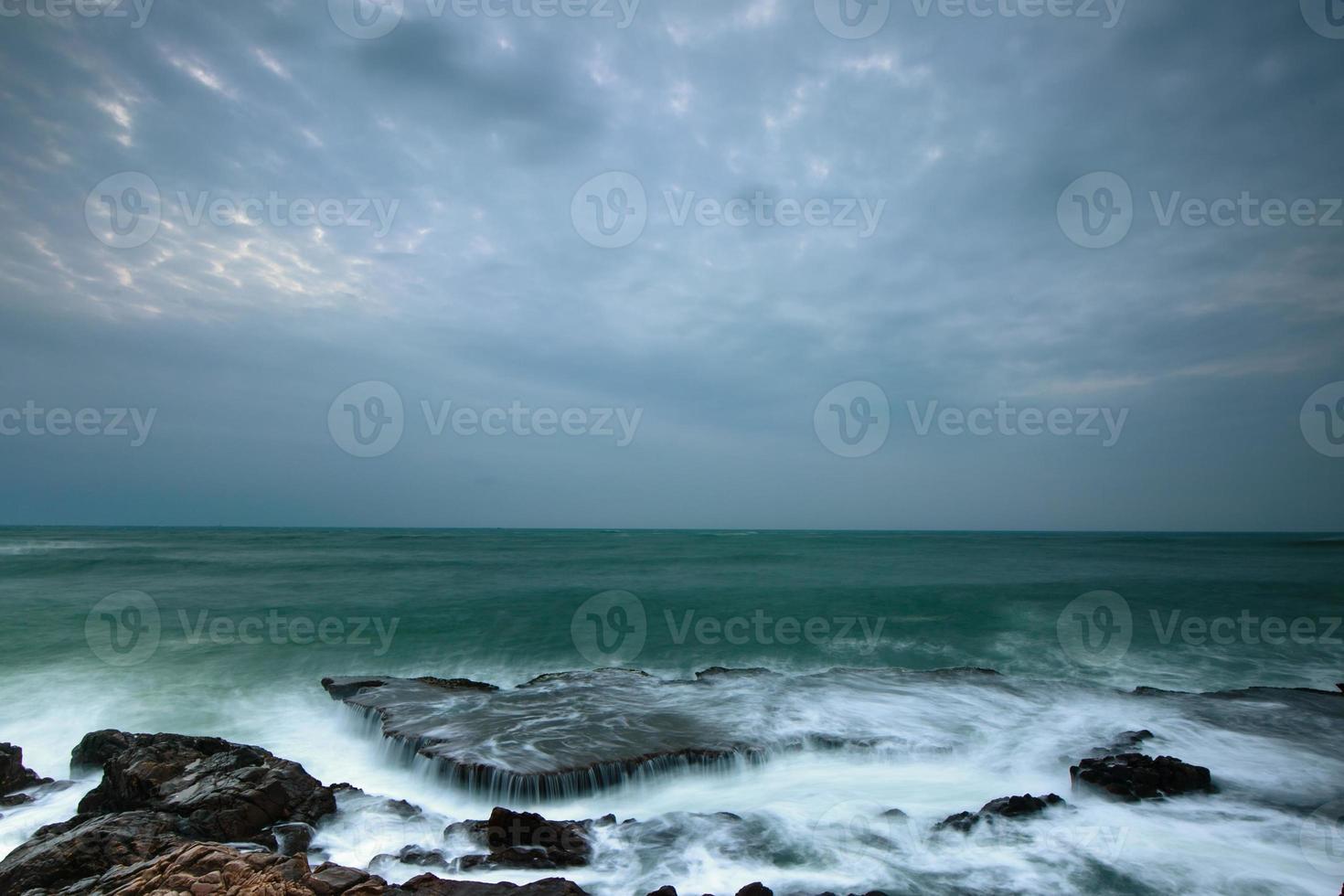 cachoeiras do oceano, ondas grandes foto
