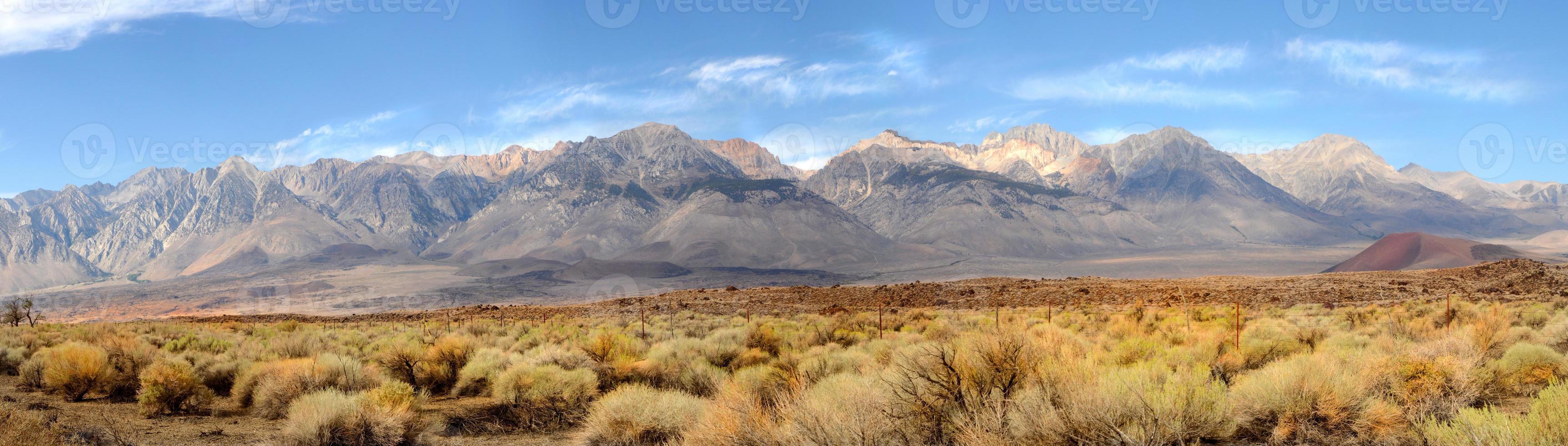 panorama das montanhas sierra nevada foto