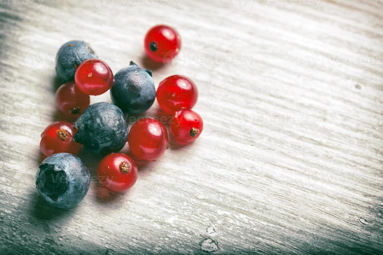 frutas frescas da floresta foto