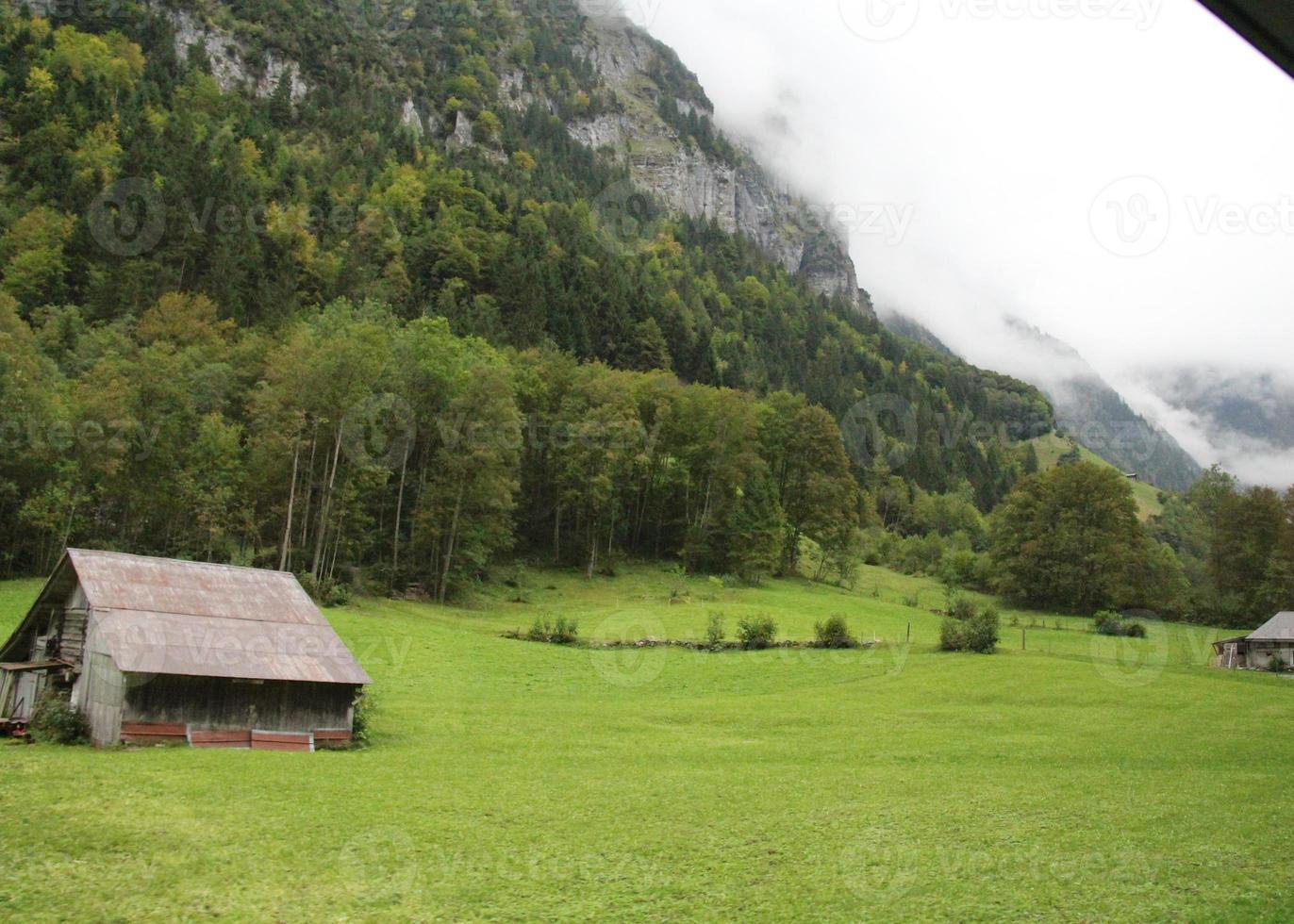 cabana nas montanhas foto