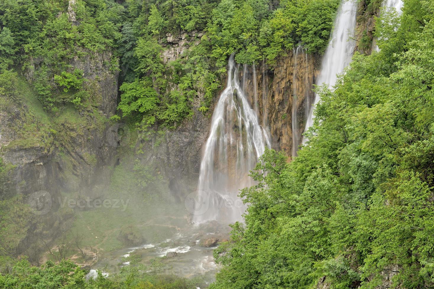 lagos plitvice, croácia, europa - foto em HDR