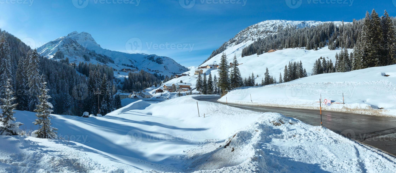 panorama do país da montanha do inverno (Áustria). foto