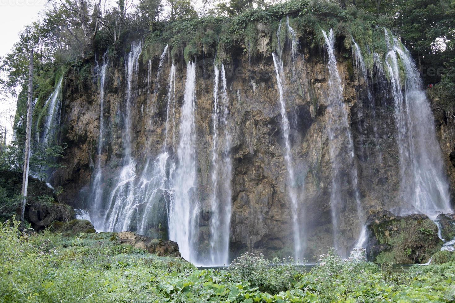 cachoeira no parque nacional plitvice foto