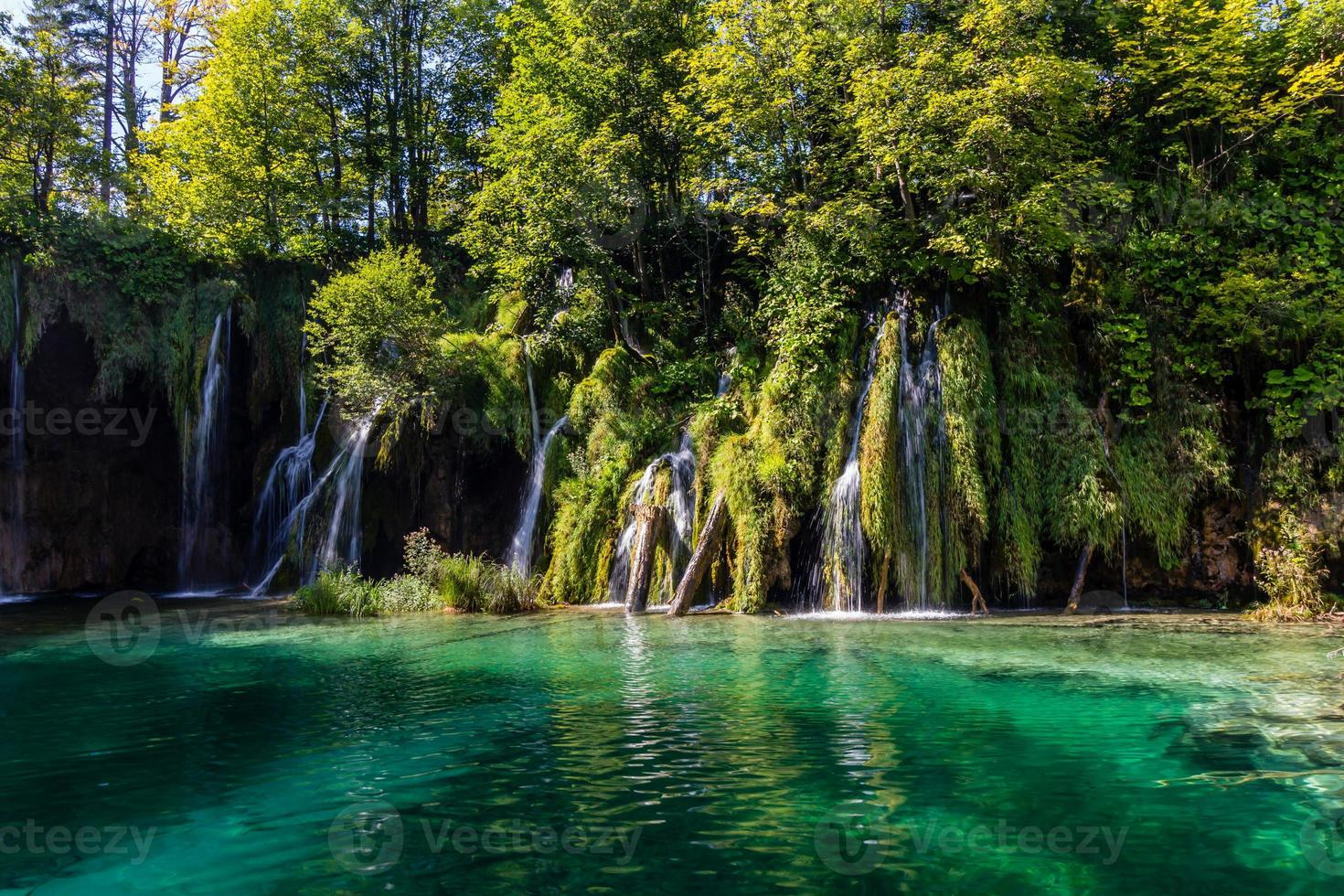 cachoeiras no parque nacional de plitvice, croácia foto