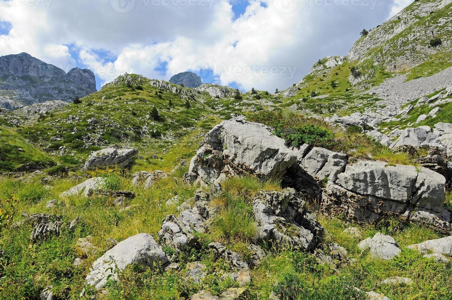 montanhas prokletije foto