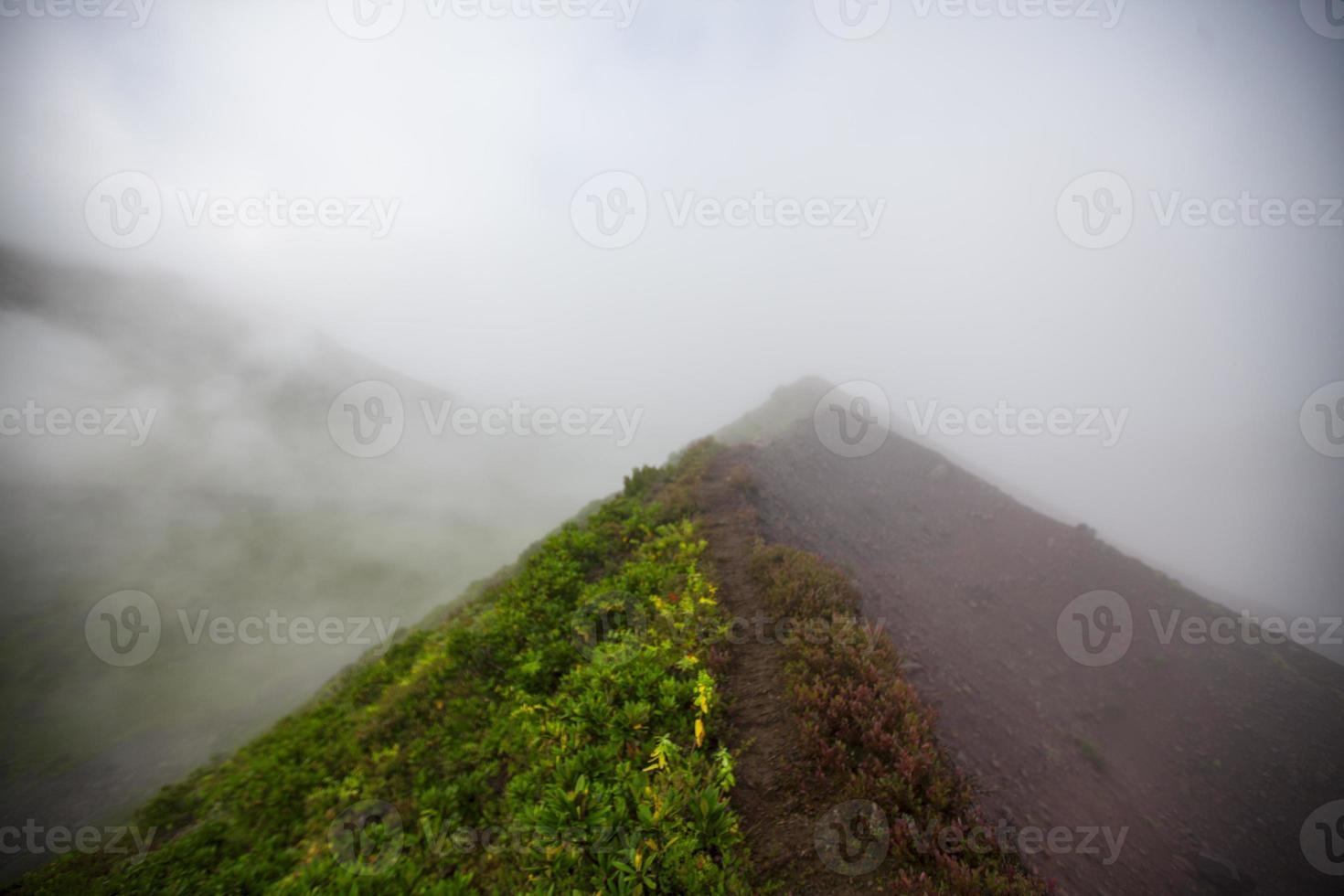 montanhas de fumaça foto
