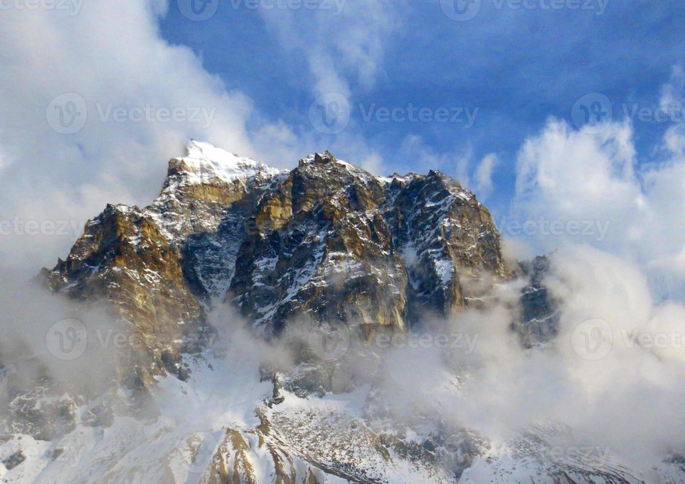 montanhas do Himalaia. foto