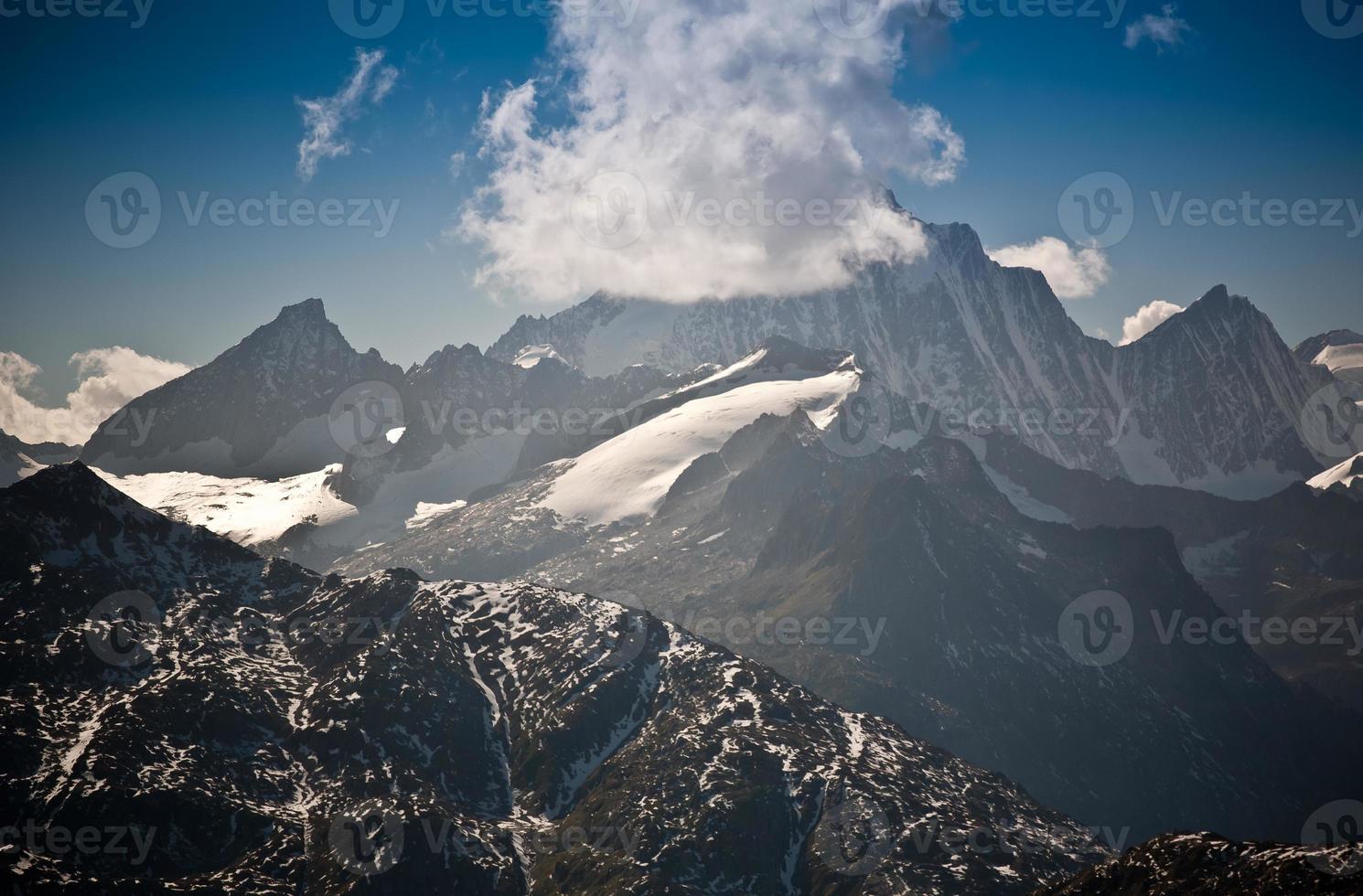 Montanhas altas foto