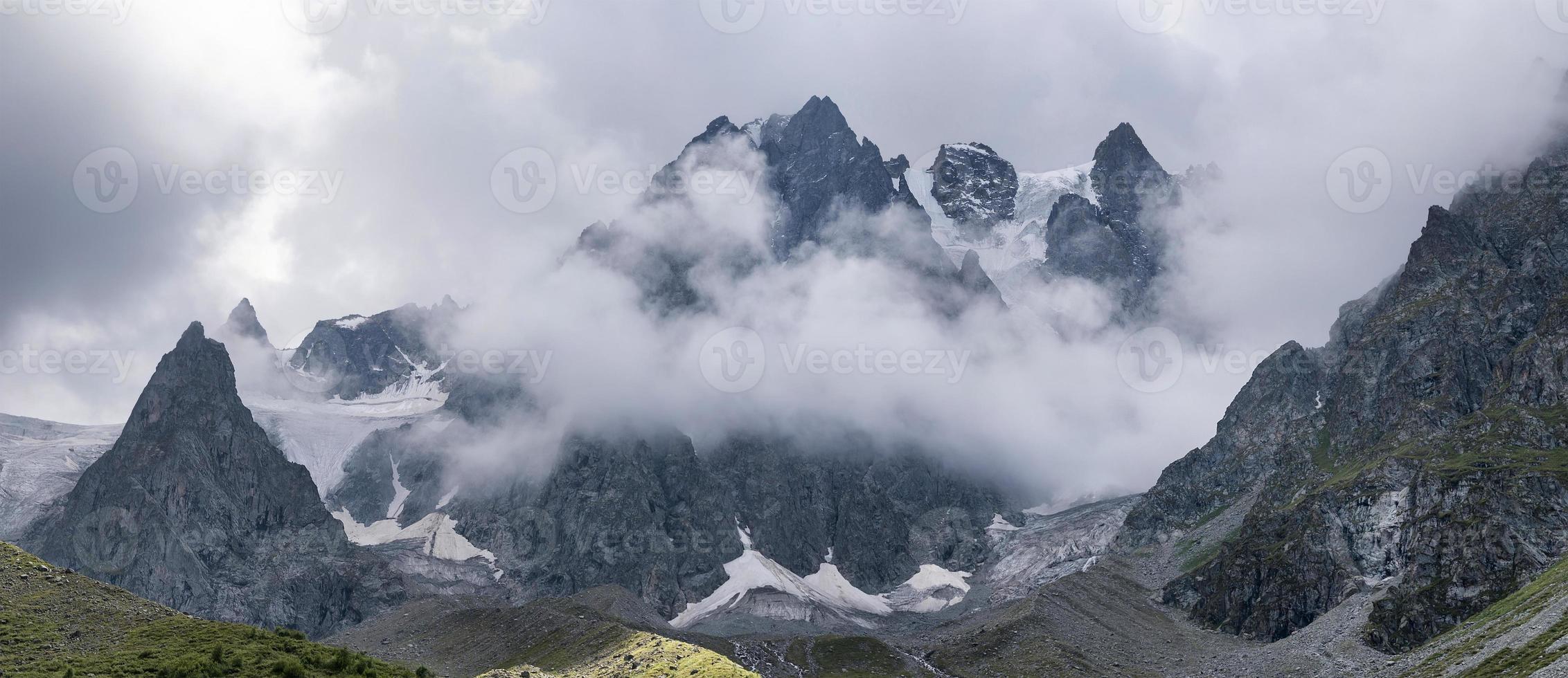 cadeia de montanhas foto