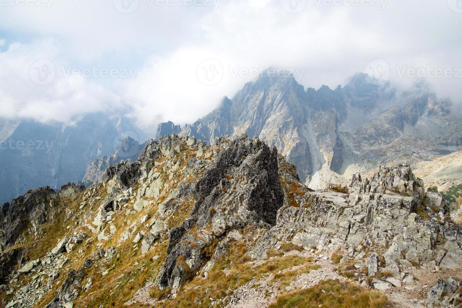 vista do pico da montanha lomnicke sedlo foto