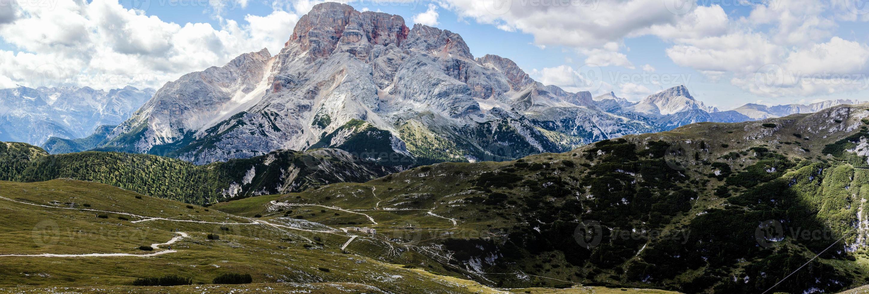 panorama da montanha - dolomiti, itália foto