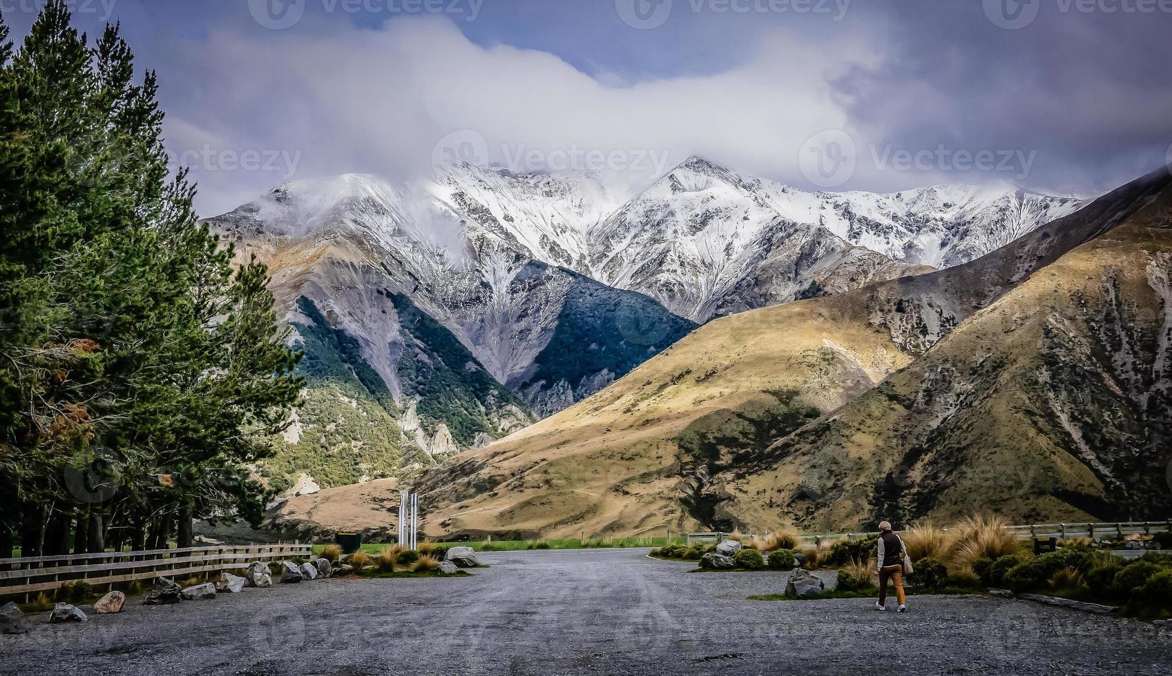panorama da nova zelândia com montanhas foto