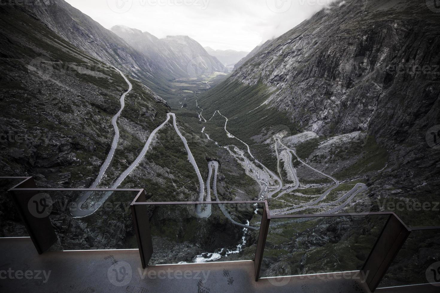 trollstigen pass norway 8 foto