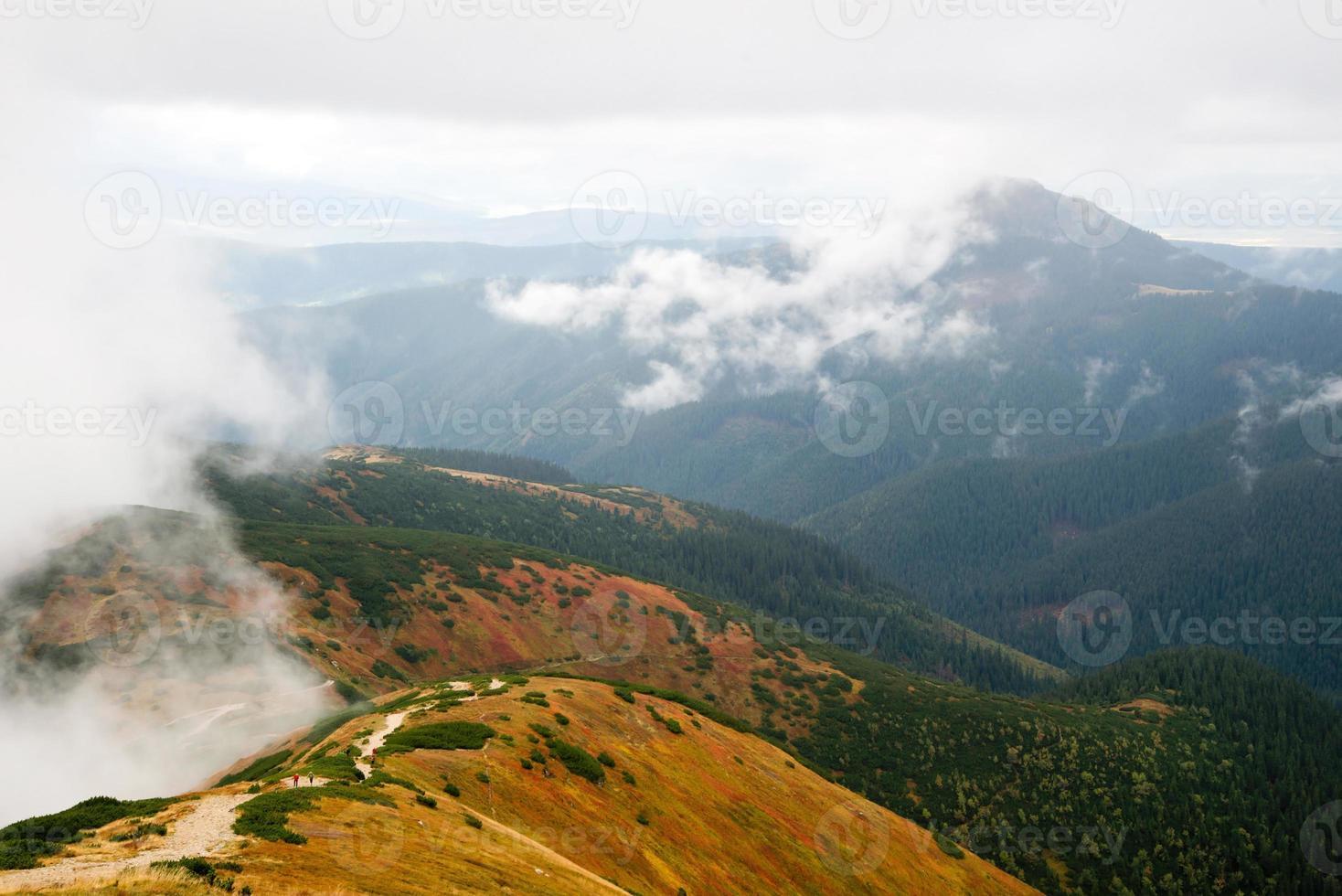 vista de volovec nas montanhas tatra foto