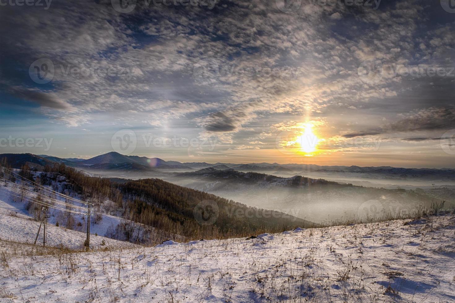sol nas montanhas foto