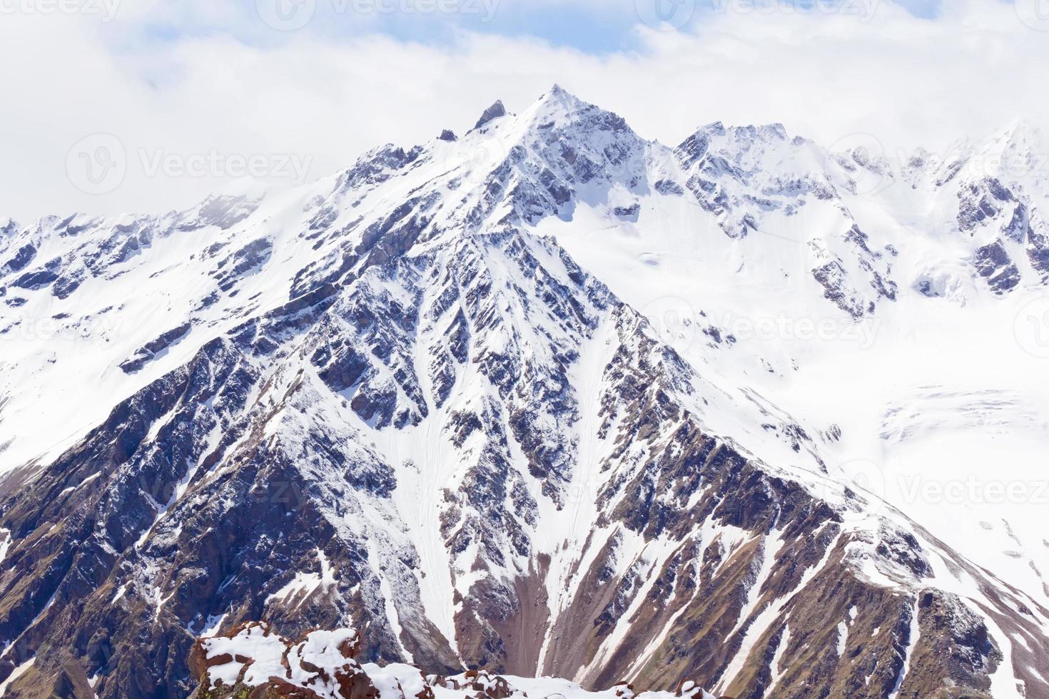 montanhas do cáucaso na Rússia foto