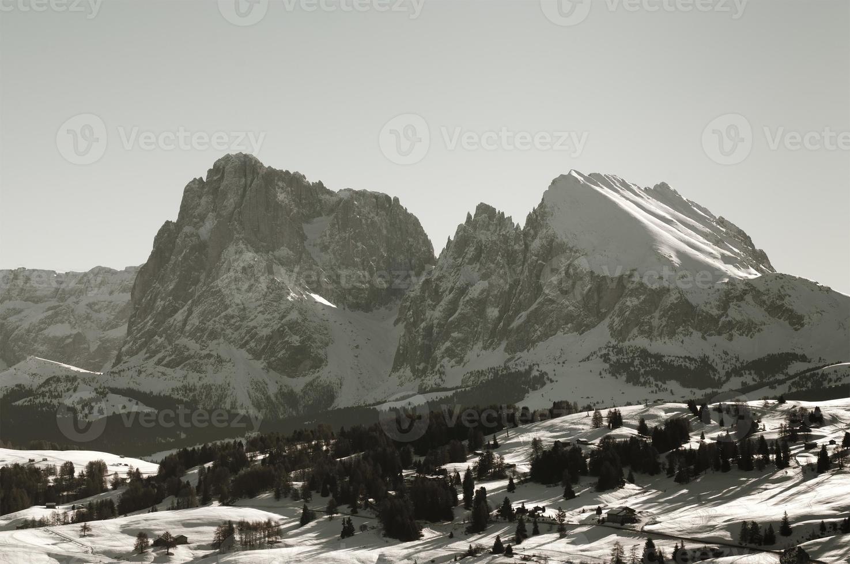 sassolungo e sassopiatto: dolomitas no inverno, Alpes italianos foto