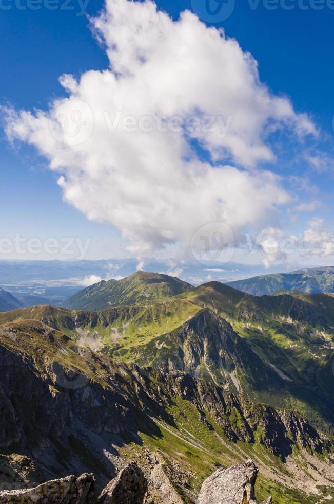 vista da parte eslovaca das montanhas tatra foto