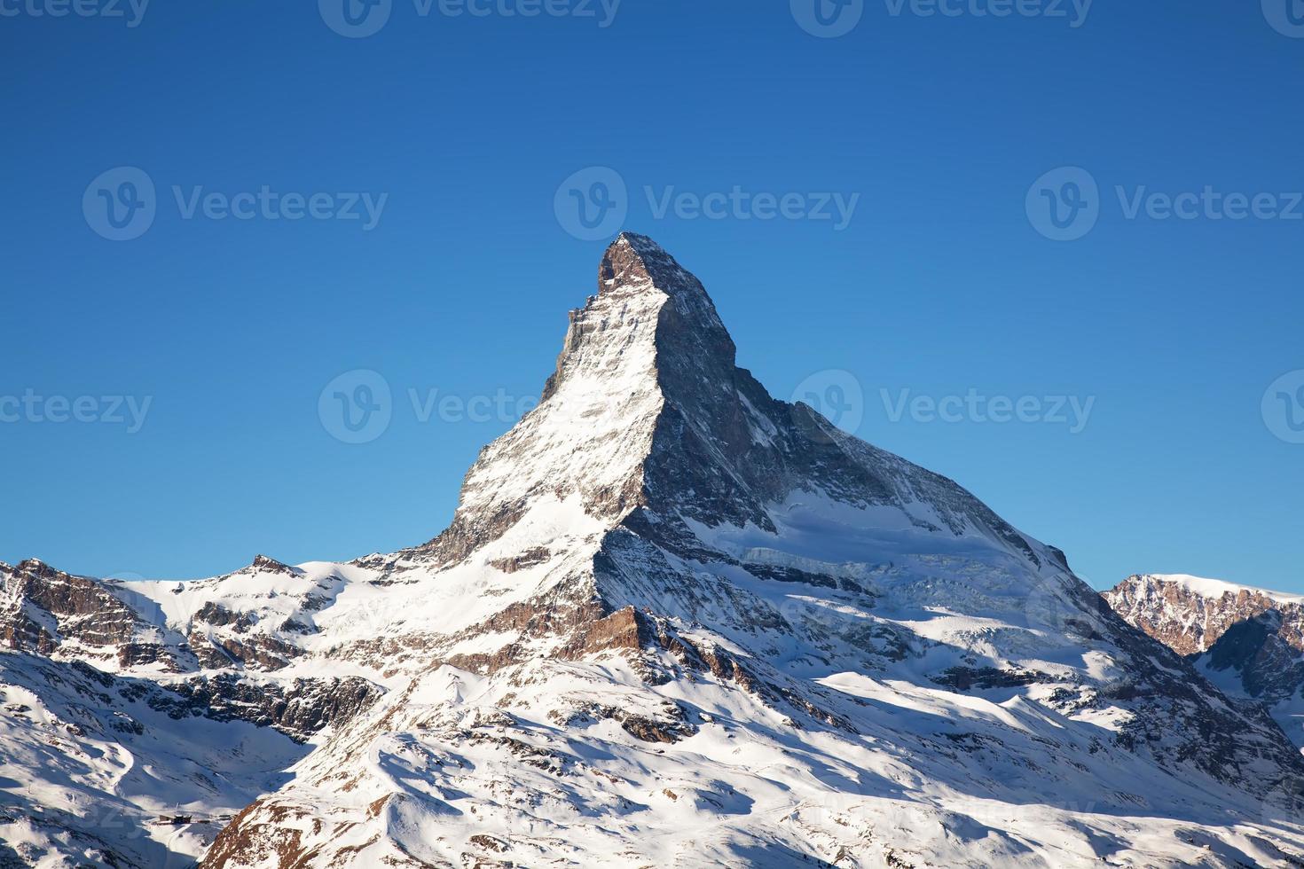montanha Matterhorn na Suíça foto