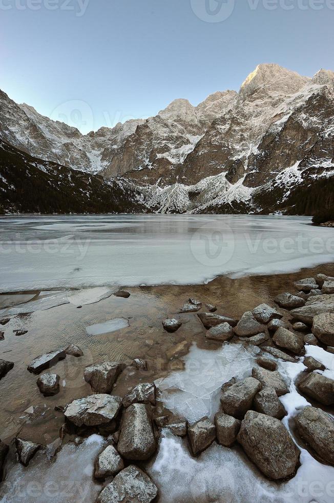 Lago Morskie Oko nas Montanhas Tatra, Polónia foto