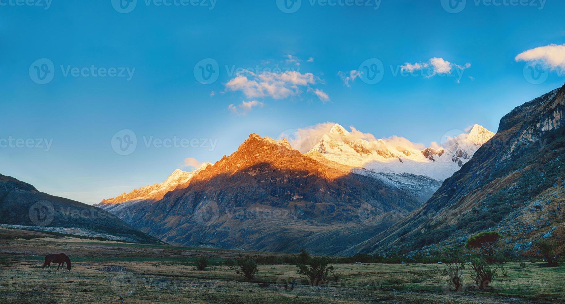 montanha caminhada santa cruz no peru foto