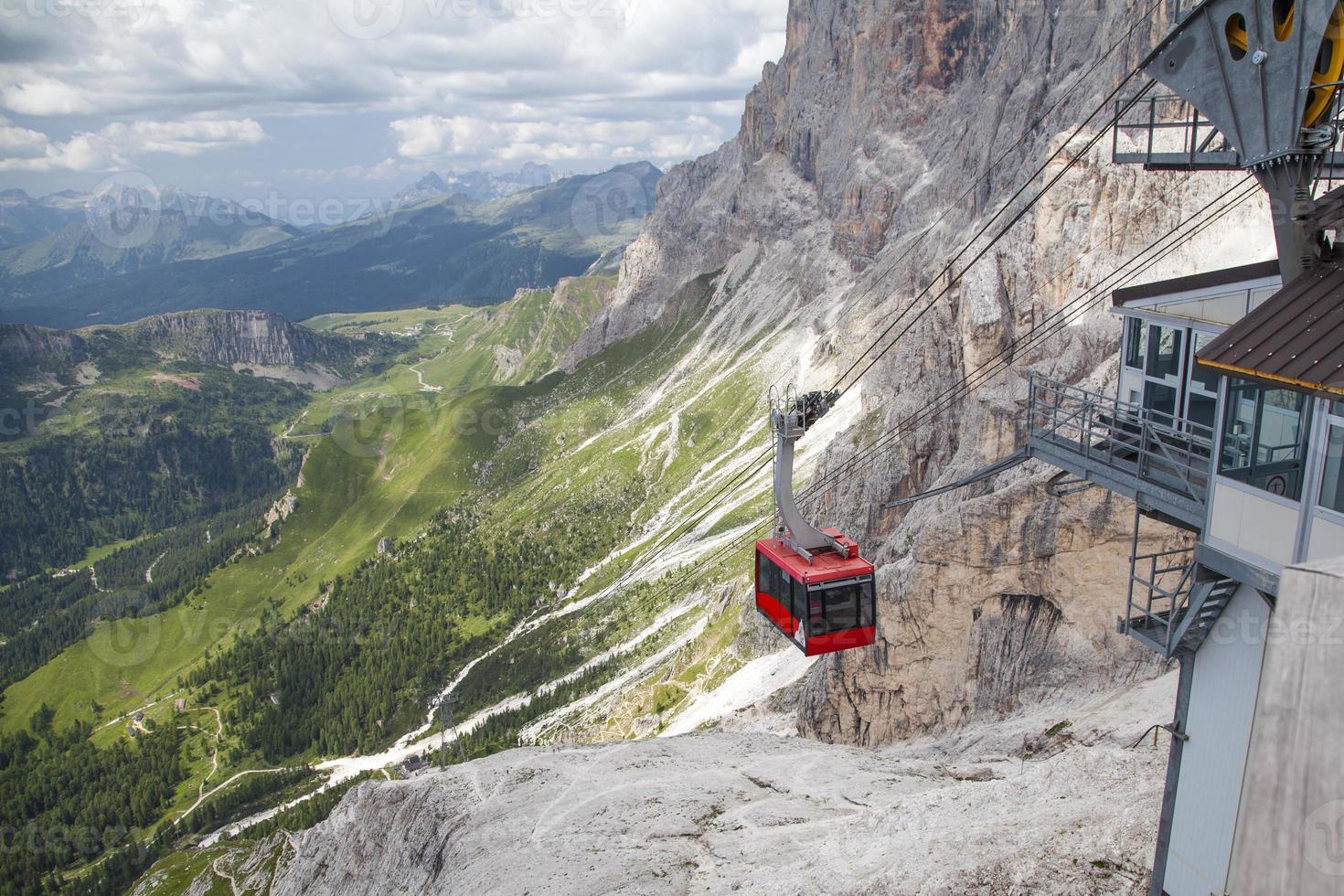 teleférico de dolomitas até Mount Rosetta foto