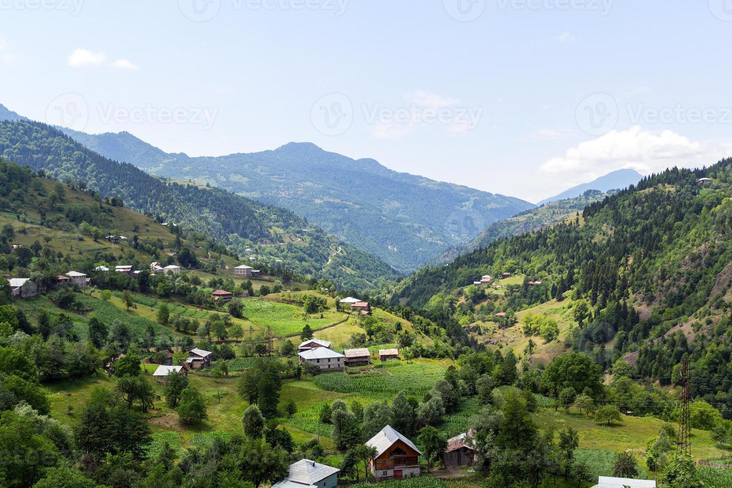 vila perdida nas montanhas foto