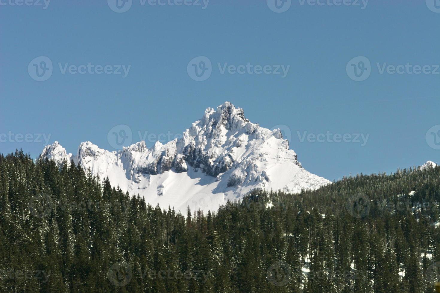 Pico da montanha foto