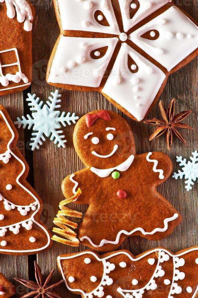 biscoitos de gengibre caseiros de natal foto