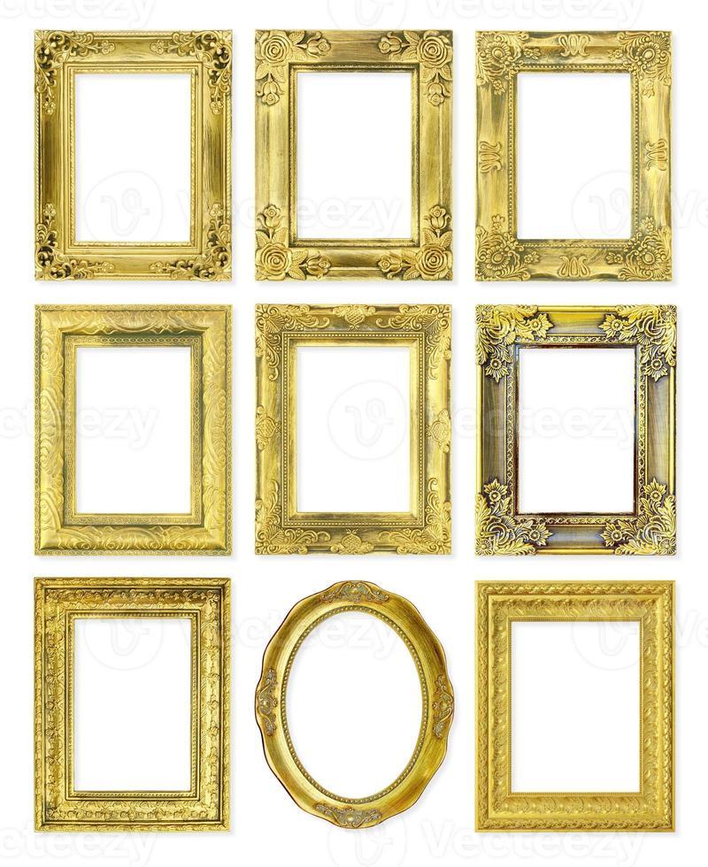 moldura dourada vintage isolada no fundo branco foto