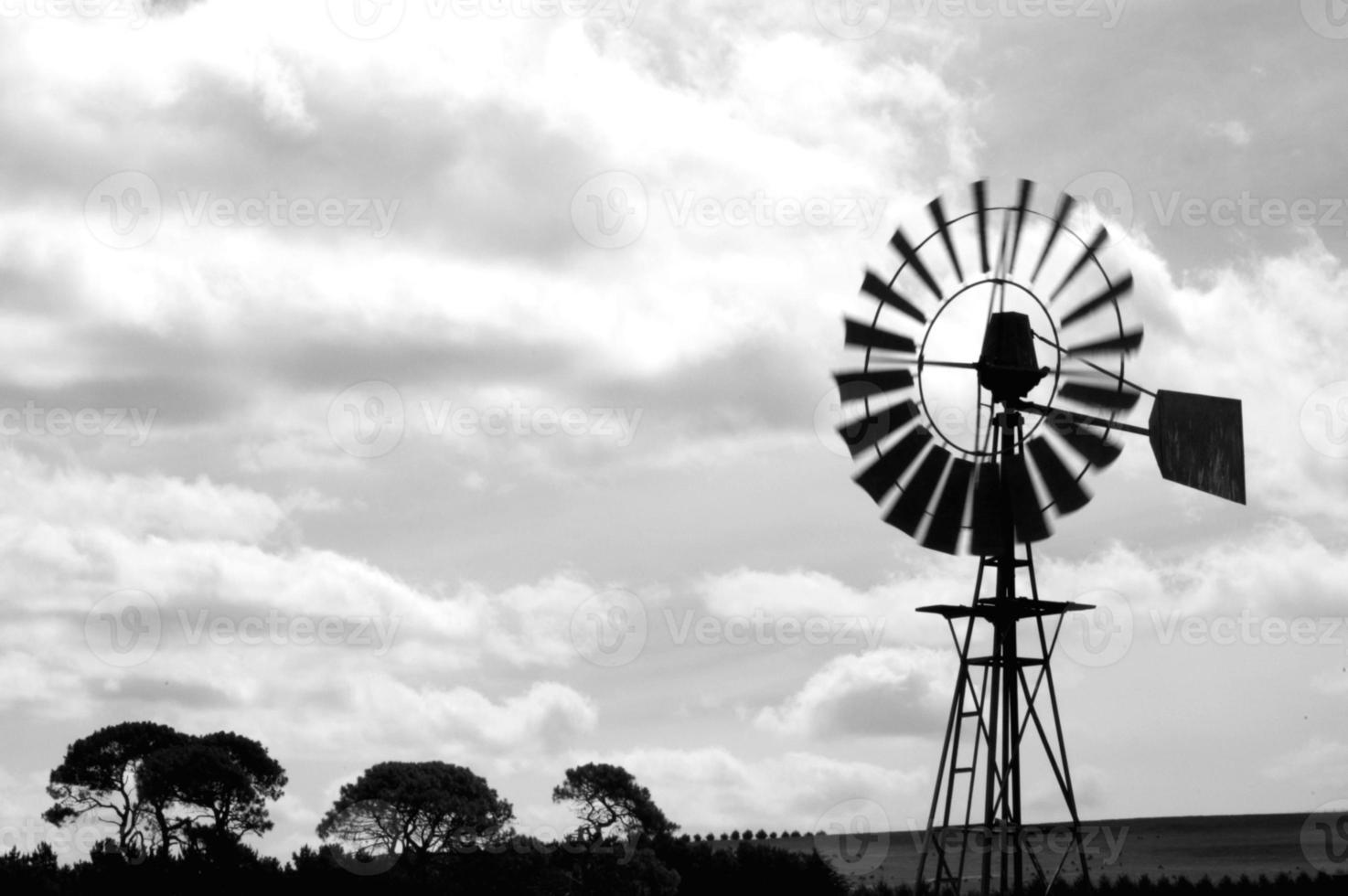 moinho de vento da fazenda foto