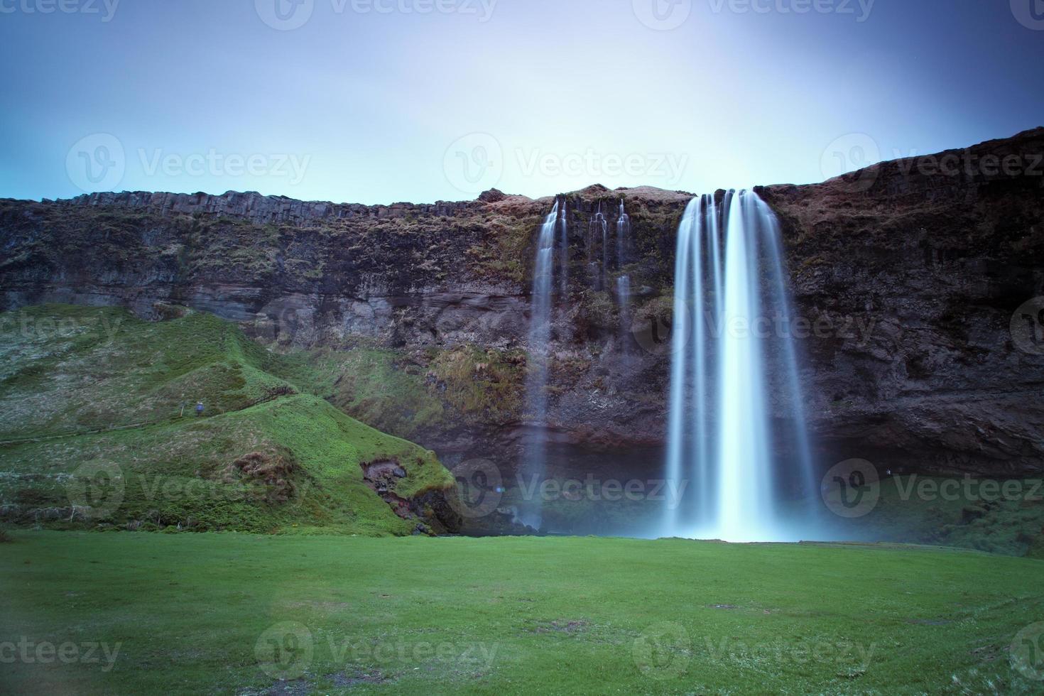 seljalandsfoss. bela cachoeira no sul da Islândia. foto