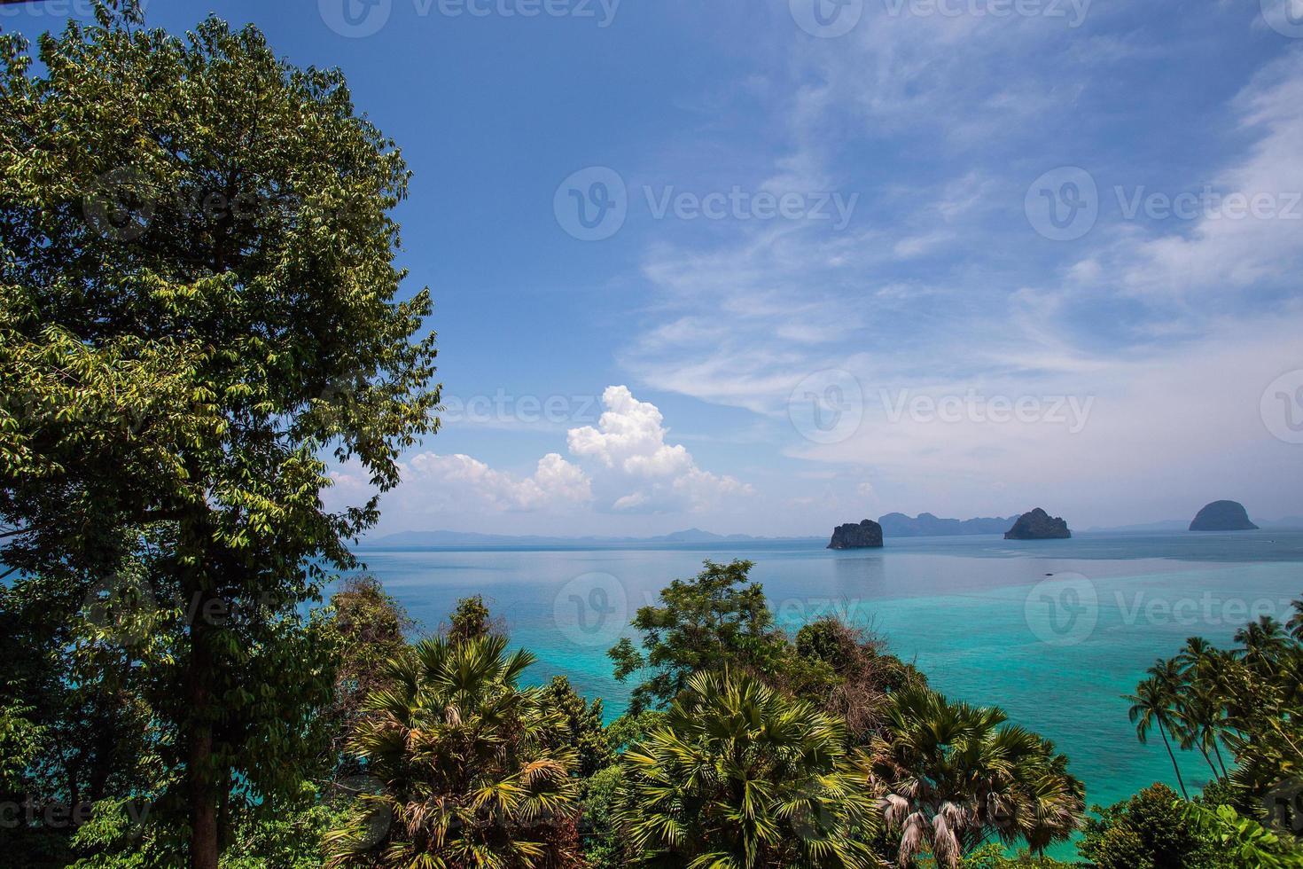 ponto de vista na ilha de koh ngai foto