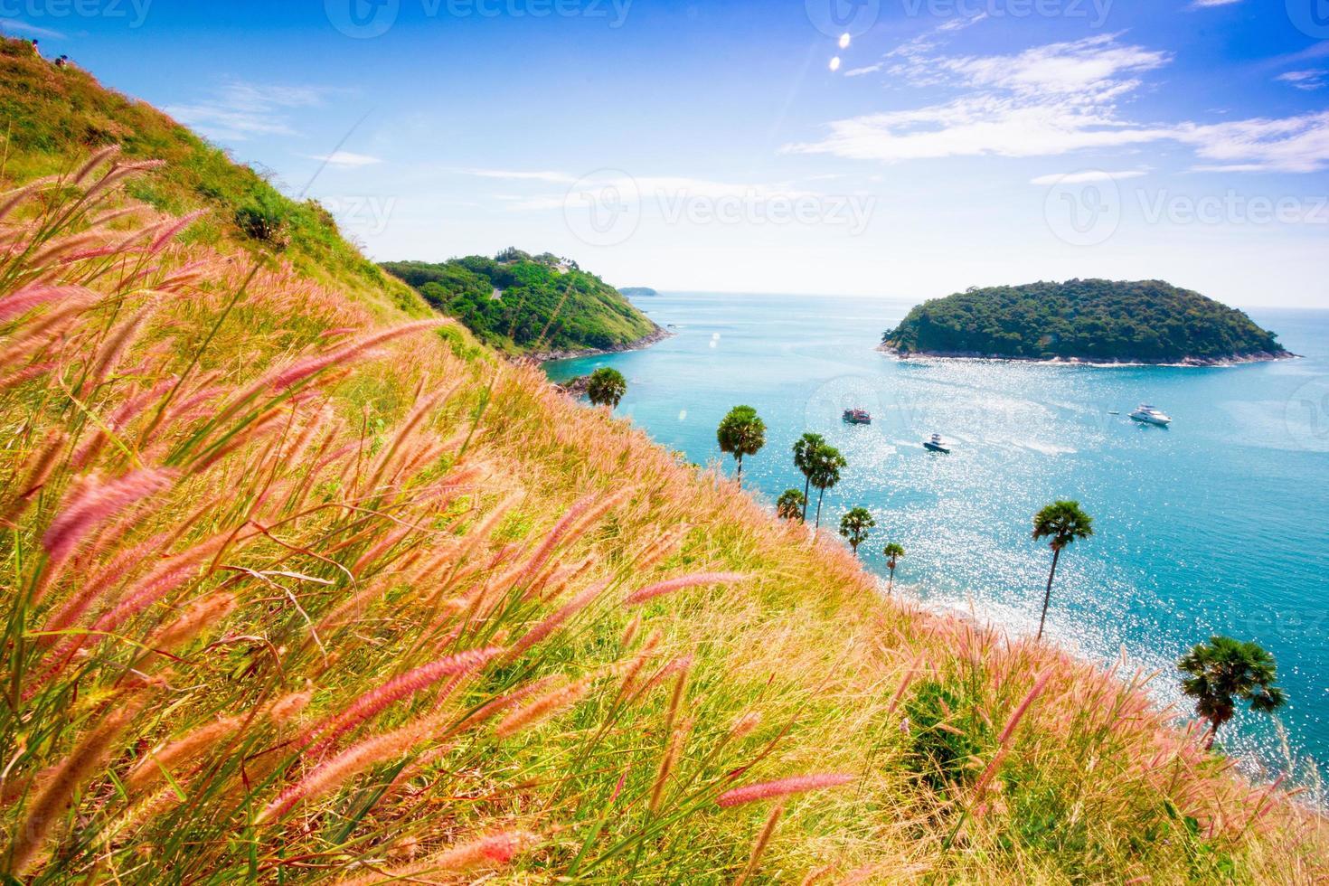 horário de verão na Ásia Tailândia praia céu azul, phuket foto