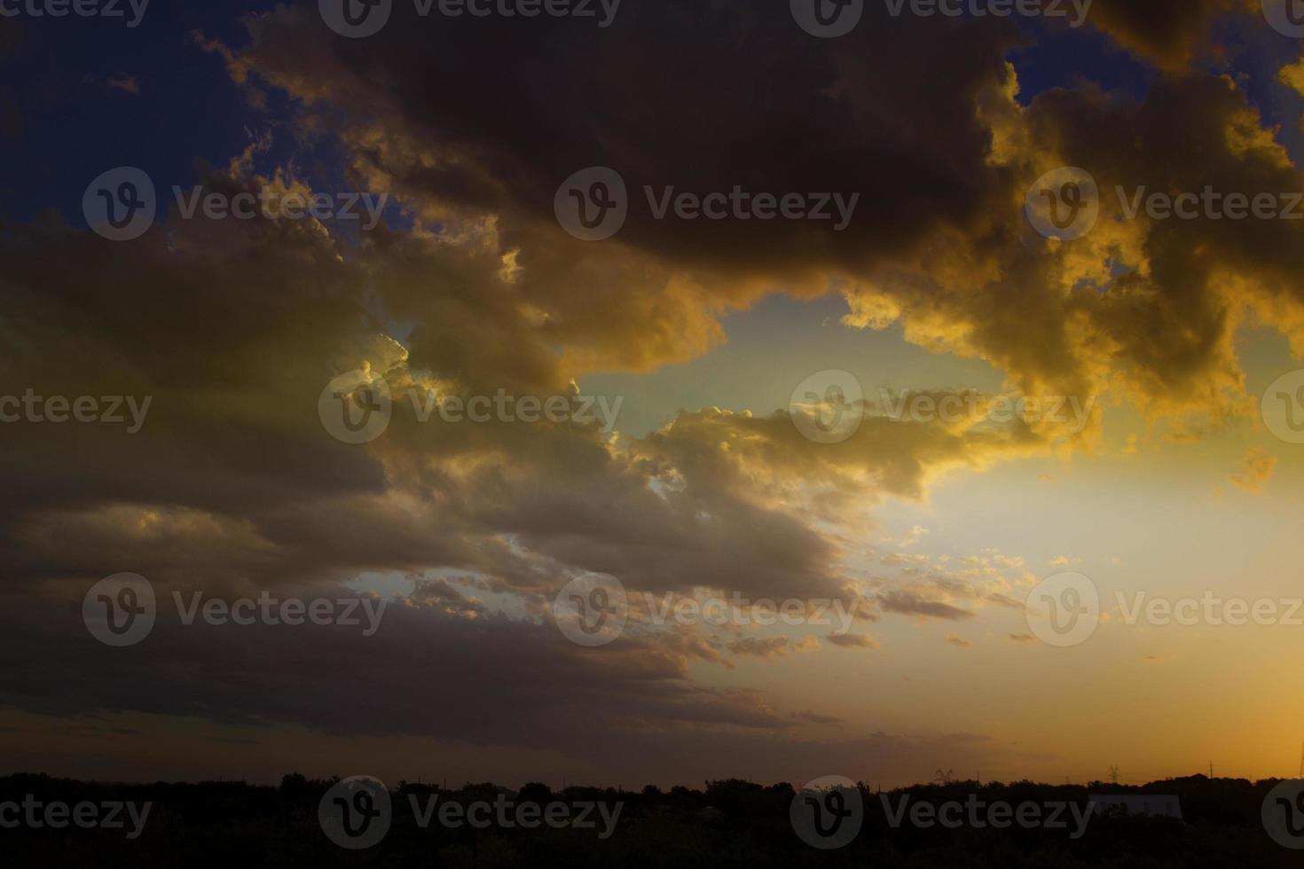 nuvens de tempestade laranja do texas foto
