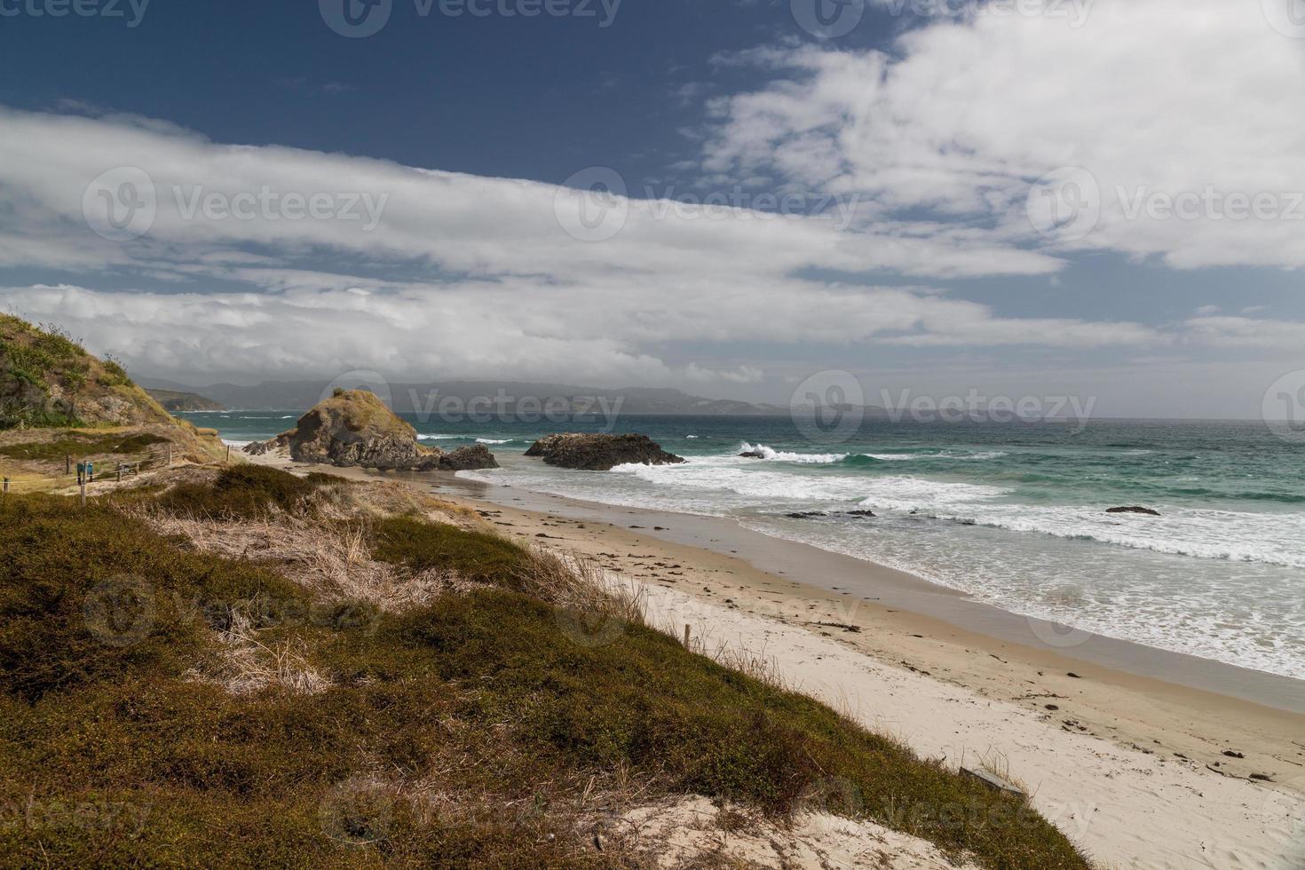 praia solitária, ilha do norte, nova zelândia foto