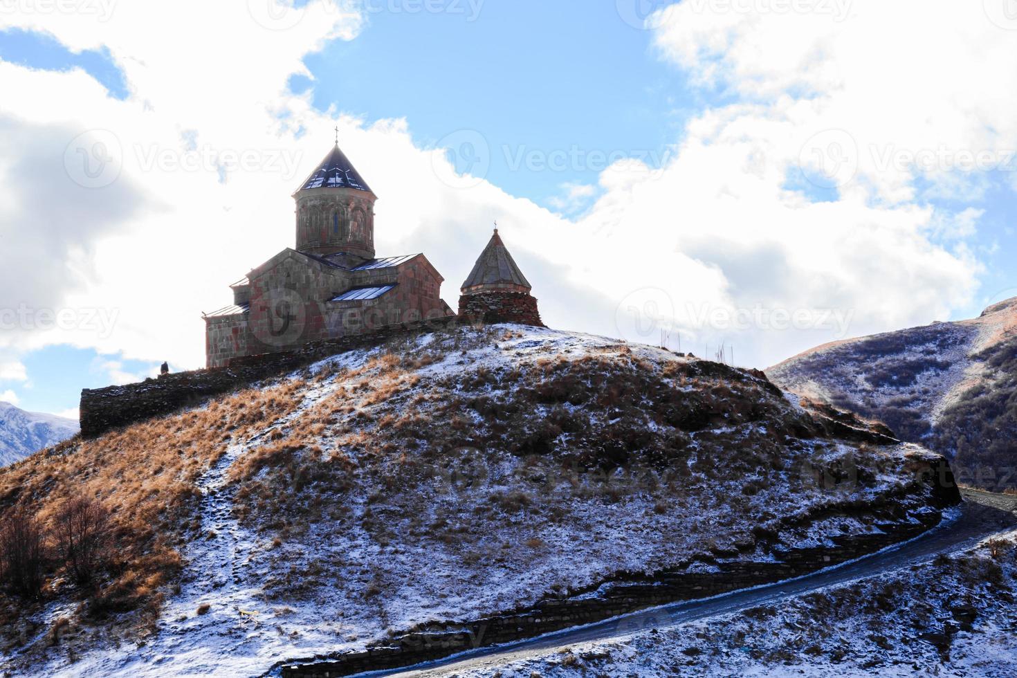 igreja da trindade gergeti foto
