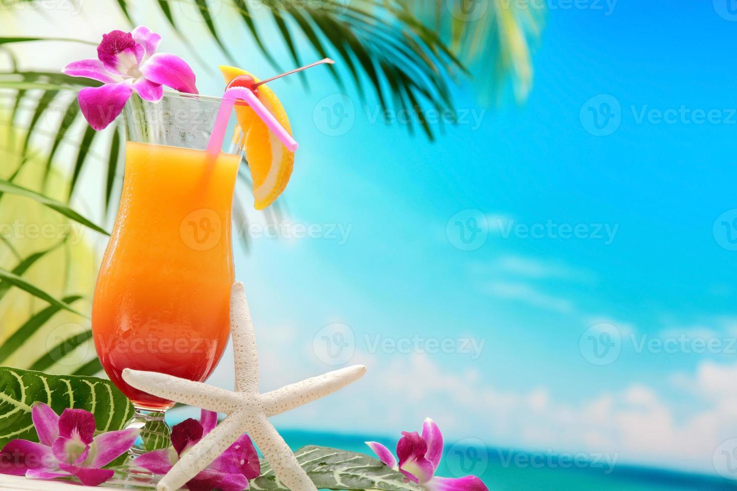 cocktail refrescante de laranja foto