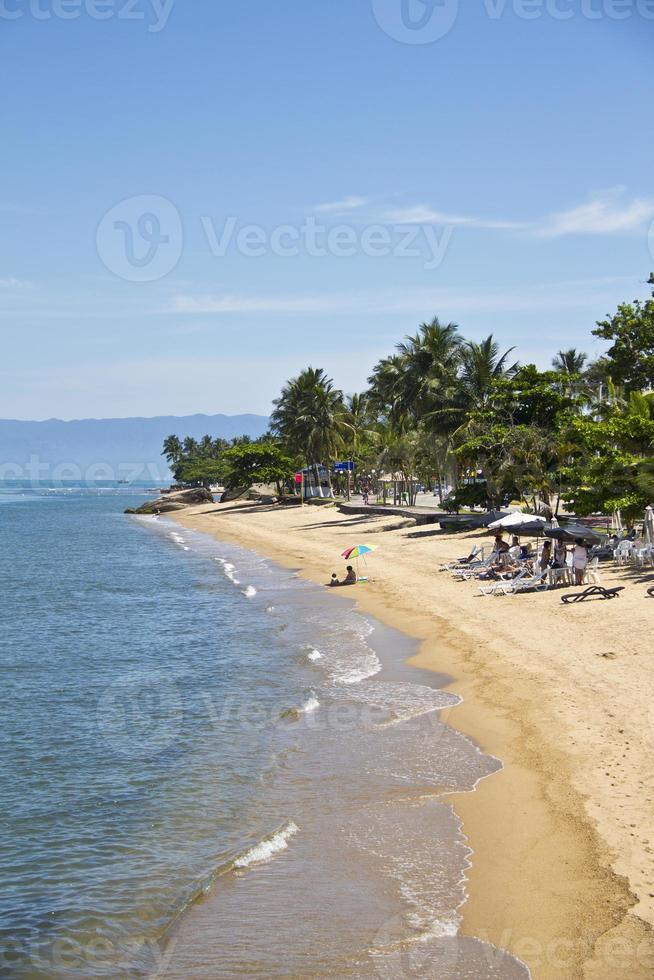 praia de itaguaçú, ilhabela - brasil foto