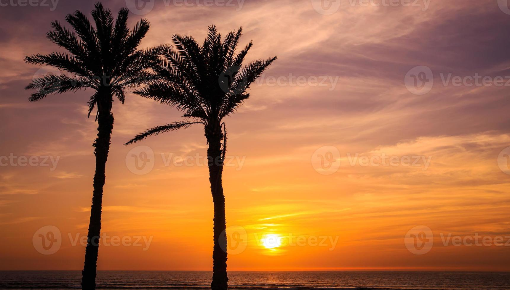 pôr do sol em Agadir, Marrocos foto