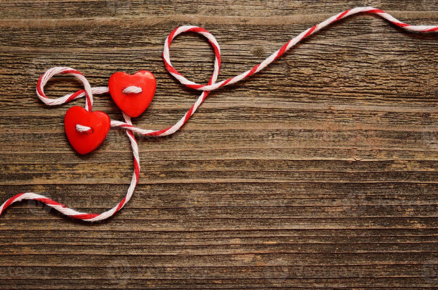dois corações amarrados foto