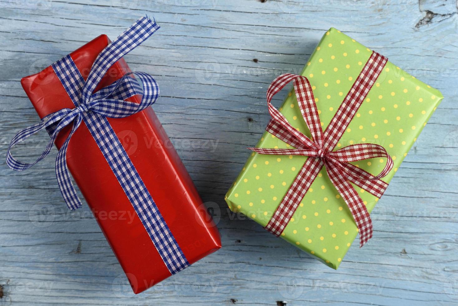 caixas de presente com fita foto