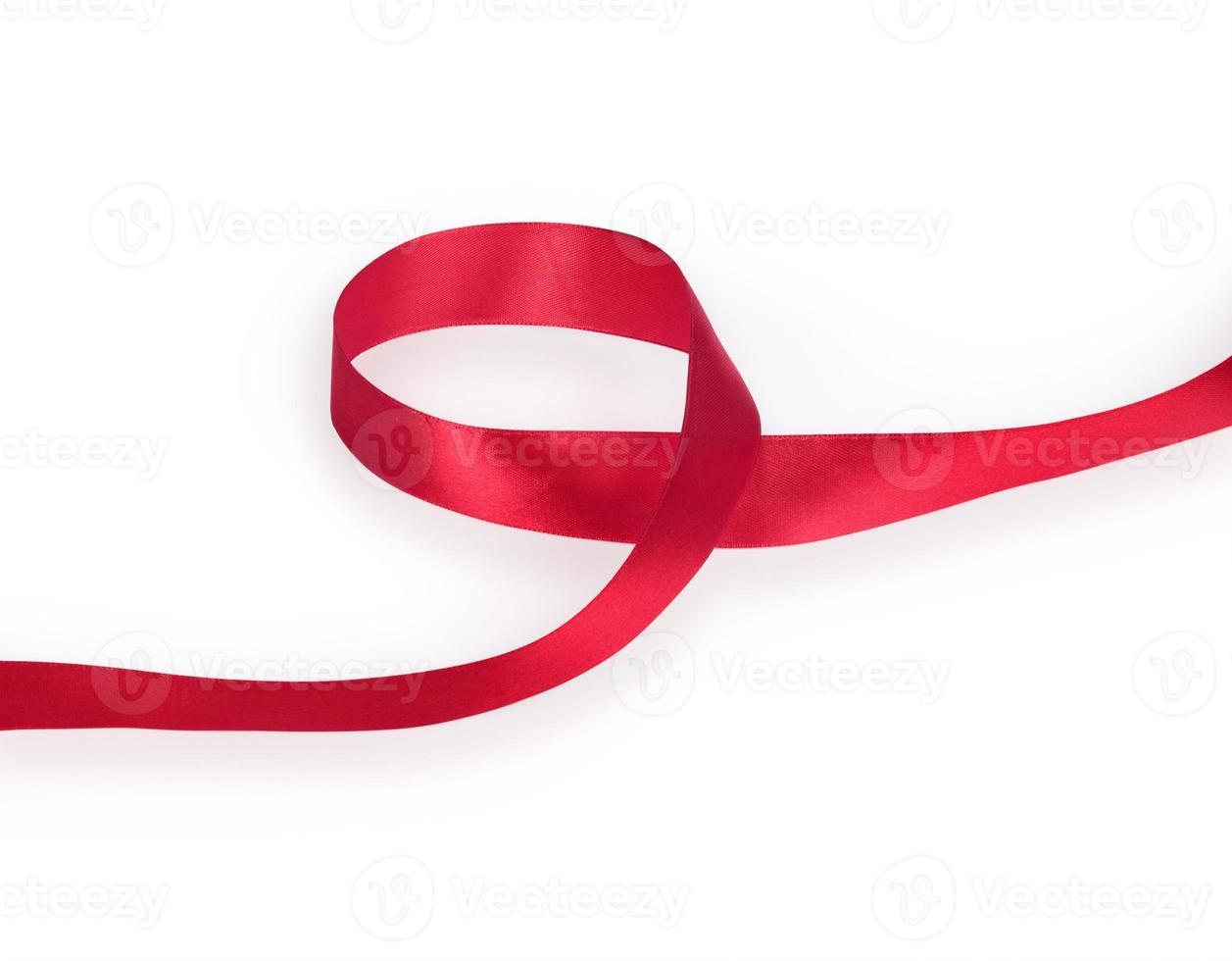 fita vermelha isolada no fundo branco foto