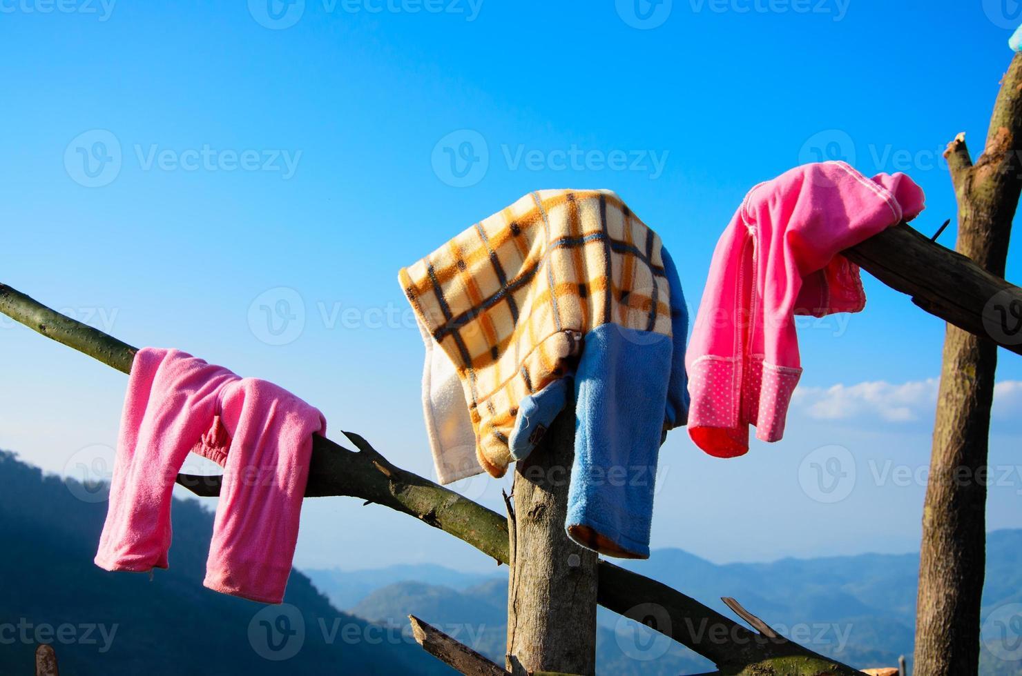 secar roupa fora foto