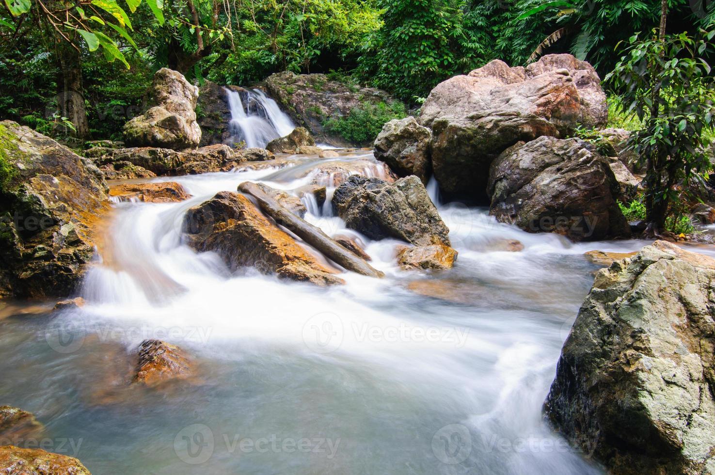 cachoeira em sarika foto